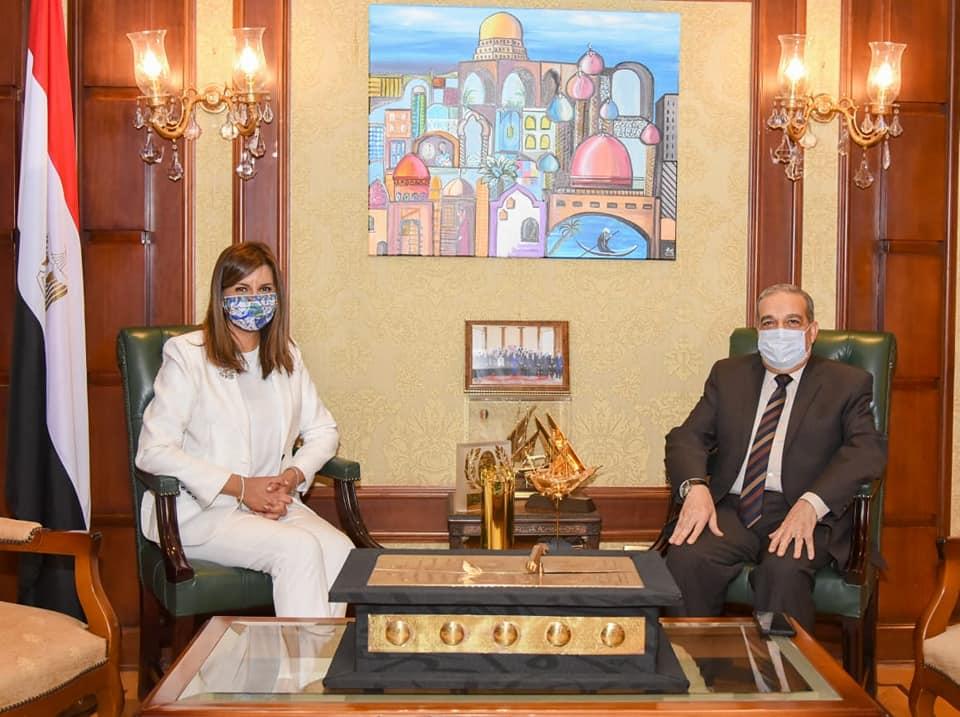 """وزيرة الهجرة تستقبل وزير الإنتاج الحربي للتنسيق حول استعدادات مؤتمر """"مصر تستطيع بالصناعة"""""""
