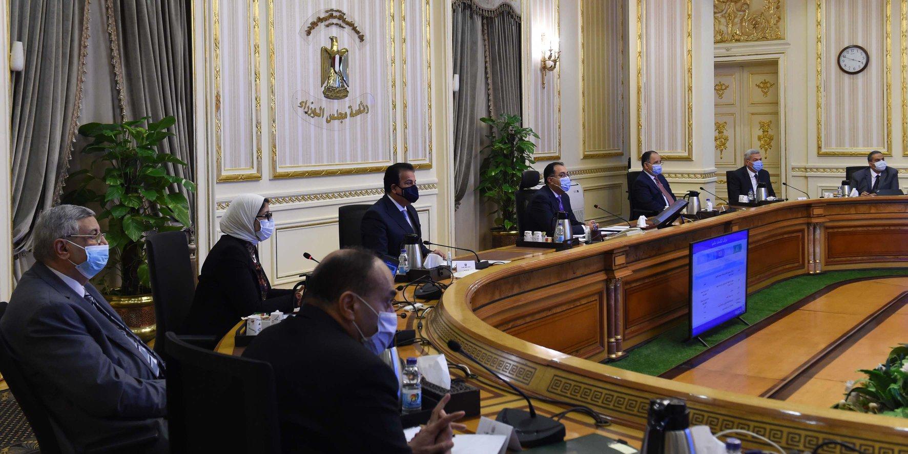 رئيس الوزراء يترأس اجتماع اللجنة الطبية لمناقشة تطورات إعلان نتائج لقاحات فيروس كورونا