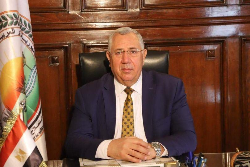 وزير الزراعة يعلن موافقة الامارات على استيراد الكتاكيت وبيض التفريخ وبيض المائدة من مصر