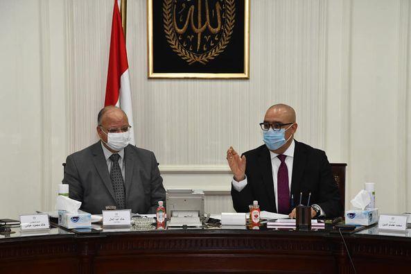 وزير الإسكان ومحافظ القاهرة يتابعان الموقف التنفيذى لمشروعات التطوير الجارى تنفيذها بمحافظة القاهرة