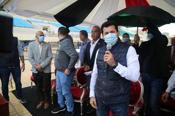 بحضور وزير الشباب والرياضة مصر تنجح في تحطيم رقم قياسي جديد لأعلى قفزة خارج الماء