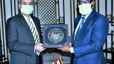 Photo of وزير الطيران يبحث مع وزير النقل السوداني سبل التعاون بمجال النقل الجوى