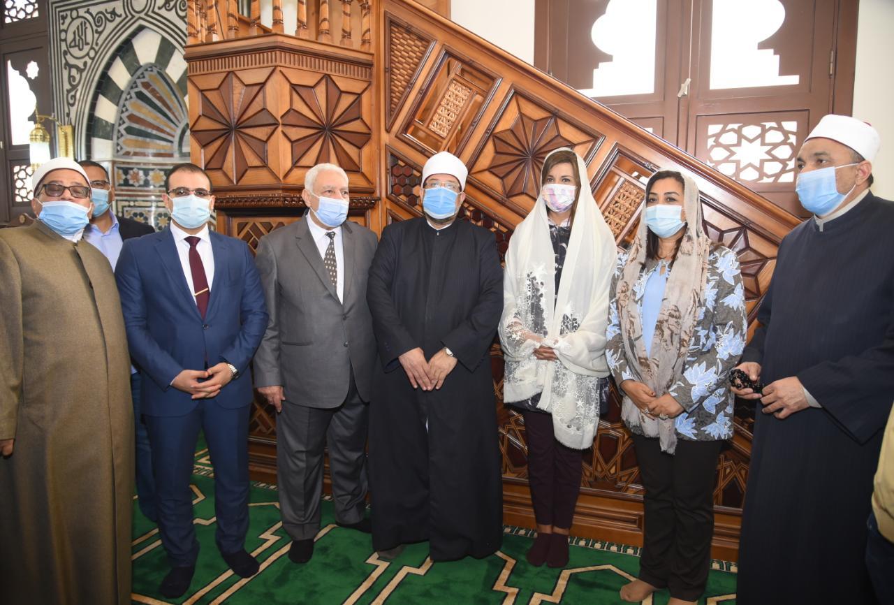 وزيرا الأوقاف والهجرة ومحافظ دمياط يفتتحون مساجد الصفا والرحمة والنخيل برأس البر