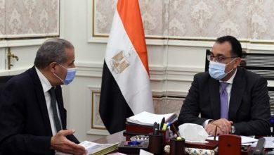 Photo of رئيس الوزراء يطمئن على توافر أرصدة السلع الأساسية مع وزير التموين