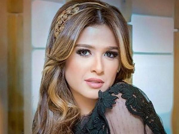 """ياسمين عبد العزيز افضل ممثلة طبقا لاستفتاء """"وشوشة"""" لعام٢٠٢٠"""