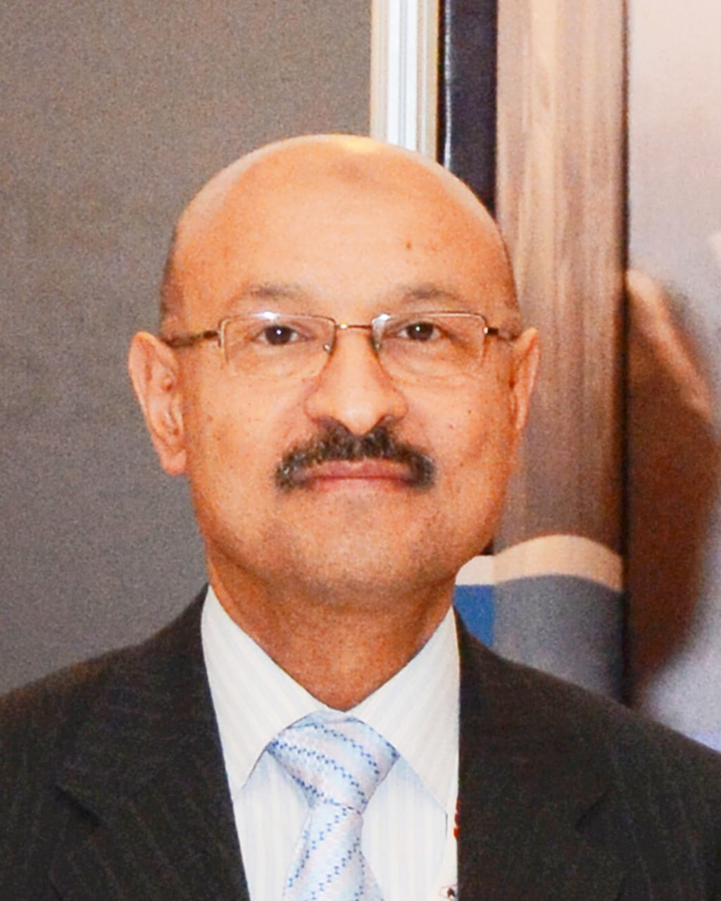 المهندس طارق عبد العليم مساعداً لرئيس مجلس إدارة شركة مصر للطيران للصيانة والأعمال الفنية