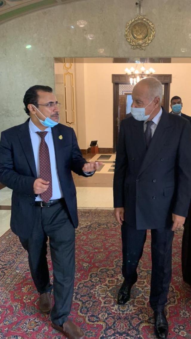 الأمين العام لجامعة الدول العربية يعقد اجتماعاً تشاورياً مع رئيس البرلمان العربي