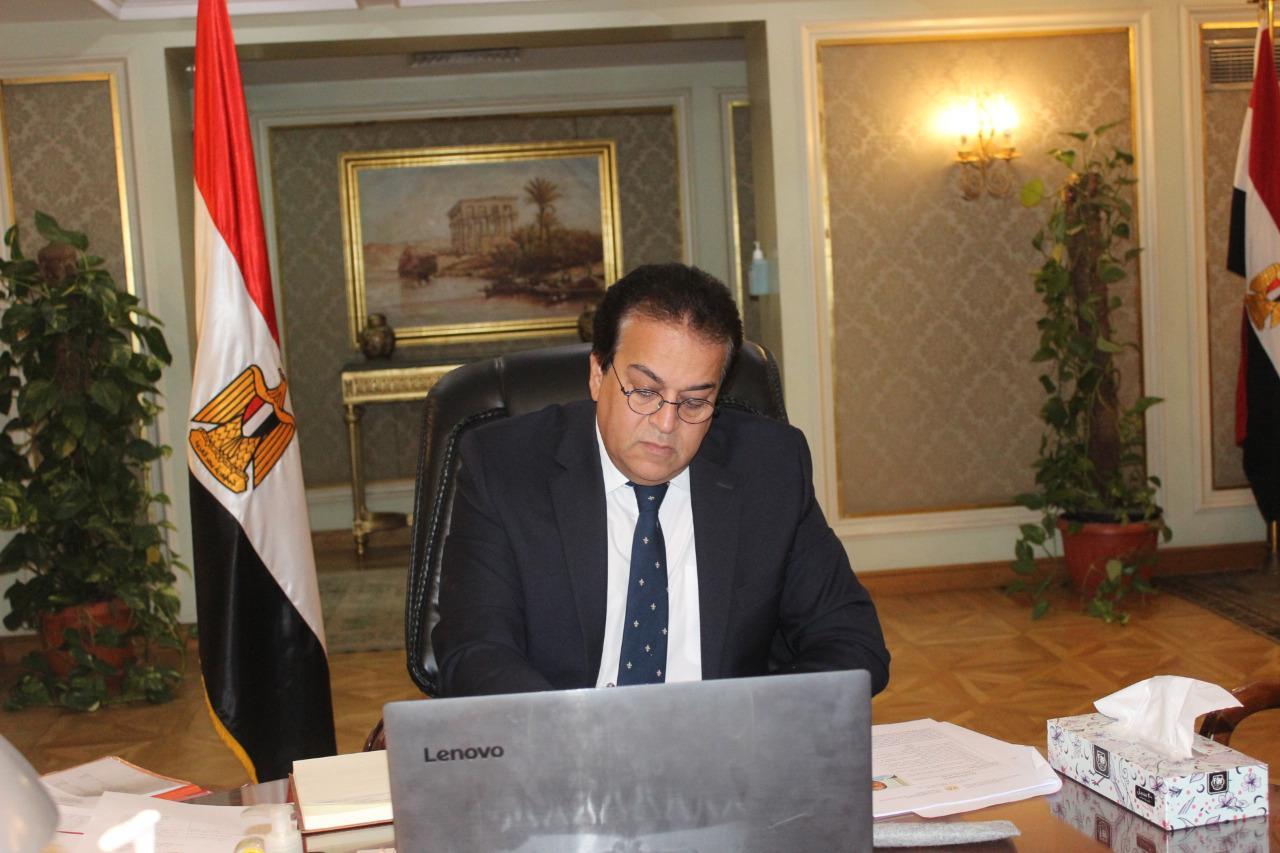 وزير التعليم العالى يلتقى عددًا من العلماء المصريين بالجامعات الكندية