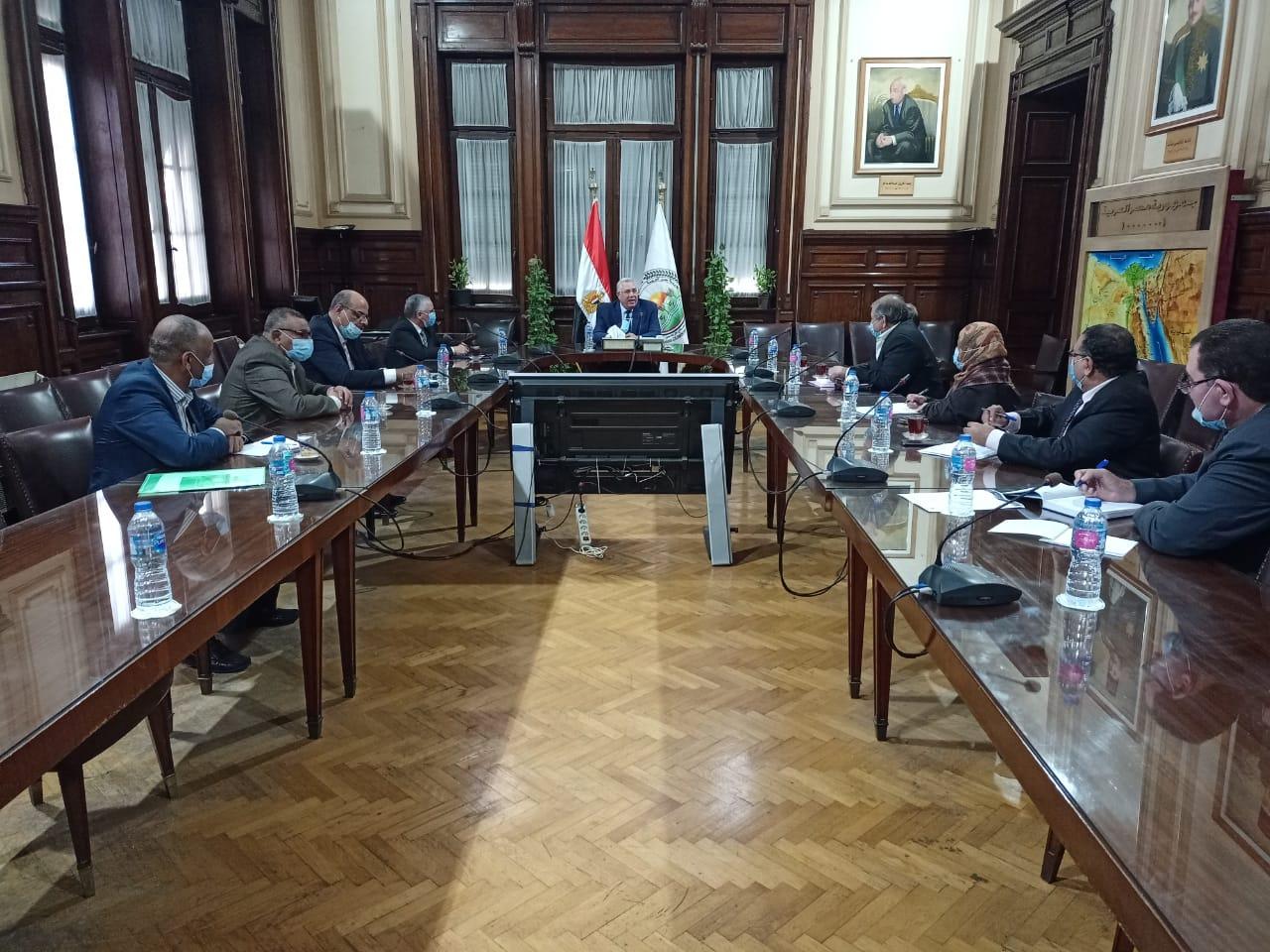 وزير الزراعة يبحث خطة النهوض بمحصول قصب السكر وتحقيق أعلى إنتاجية تنفيذا لتكليفات الرئيس السيسي