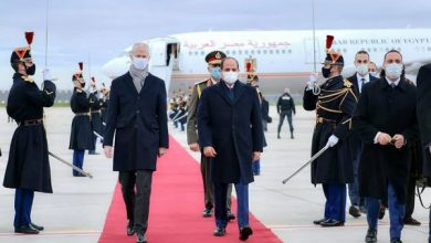Photo of الرئيس عبد الفتاح السيسي اليوم بزيارة رسمية إلى الجمهورية الفرنسية تلبيةً لدعوة من الرئيس الفرنسي إيمانويل ماكرون.