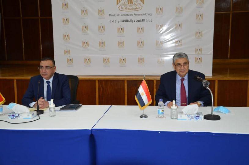 اجتماع وزيرى الكهرباء المصرى والعراقي مع ممثلى الشركات المصرية العاملة فى مجال الكهرباء والطاقة المتجددة