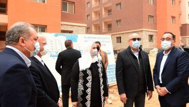 Photo of رئيس الوزراء يتفقد مشروع بديل العشوائيات بمدينة السلام