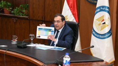 Photo of وزير البترول يتابع موقف تنفيذ خطة توصيل الغاز الطبيعي للمنازل