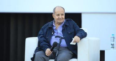 Photo of وفاة الكاتب الكبير وحيد حامد عبقري السينما والدراما المصرية عن عمر 76 عامًا