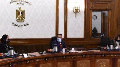 """Photo of رئيس الوزراء يتابع توفير الاحتياجات والمستلزمات الصناعية لمبادرة الرئيس """"حياة كريمة"""""""