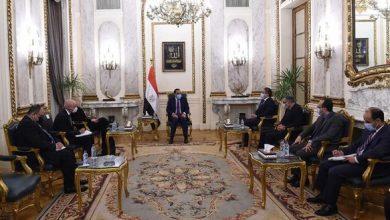 Photo of رئيس الوزراء يلتقى مديرة مركز التراث العالمي التابع لـ(اليونسكو)