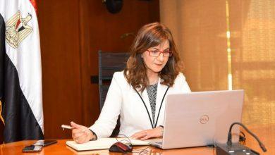 Photo of وزيرة الهجرة تعقد أولى لقاءات مبادرة «مصرية بـ100 راجل»