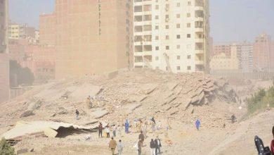 Photo of محافظ الجيزة يتابع أعمال إزالة عقار مخالف بجوار الطريق الدائري بمركز كرداسة