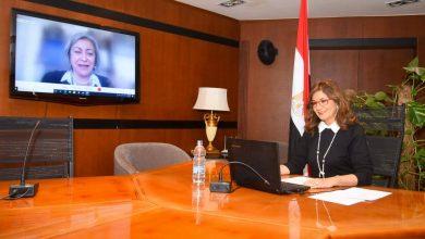 Photo of وزيرة الهجرة تشارك في المائدة المستديرة لـ الهجرة الدولية بمناسبة الاحتفال باليوم العالمي للمرأة