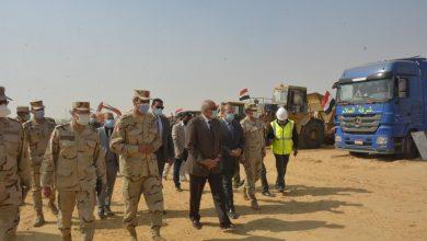 Photo of محافظ الجيزة يتفقد اصطفاف المعدات المشاركة فى تطوير 42 قرية بالصف وأطفيح
