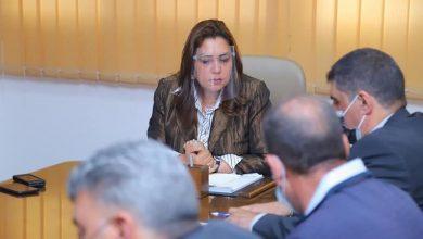Photo of محافظ دمياط تعقد إجتماعاً تنسيقياً لبحث آلية البدء بمشروع تطوير الطريق الرابط بين طريقى بورسعيد و السيالة.