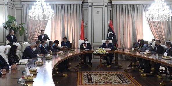 رئيس الوزراء المصري ورئيس حكومة الوحدة الوطنية الليبية يشهدان التوقيع على 11 وثيقة لتعزيز التعاون بين البلدين