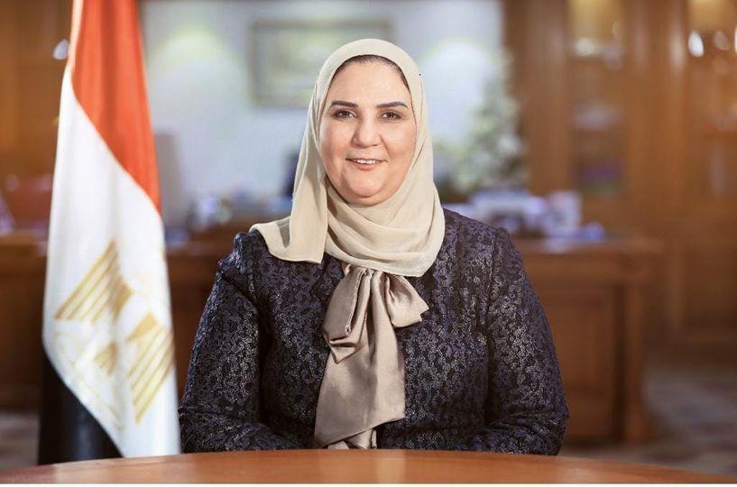 """وزيرة التضامن الاجتماعي تستعرض تقريرًا مفصلًا عن مشروع """"٢ كفاية"""""""