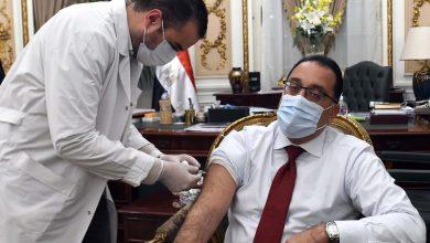 Photo of رئيس الوزراء يتلقى اللقاح المضاد لفيروس كورونا