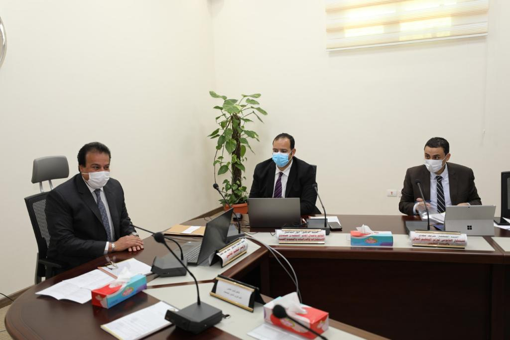 وزير التعليم العالي يرأس اجتماع مجلس صندوق الاستشارات والدراسات والبحوث الفنية