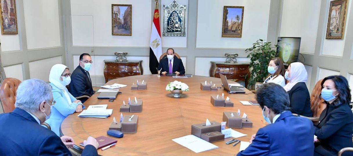 """الرئيس يوجه بأن يكون الهدف الأساسي من """"المشروع القومي لتنمية الأسرة المصرية"""""""