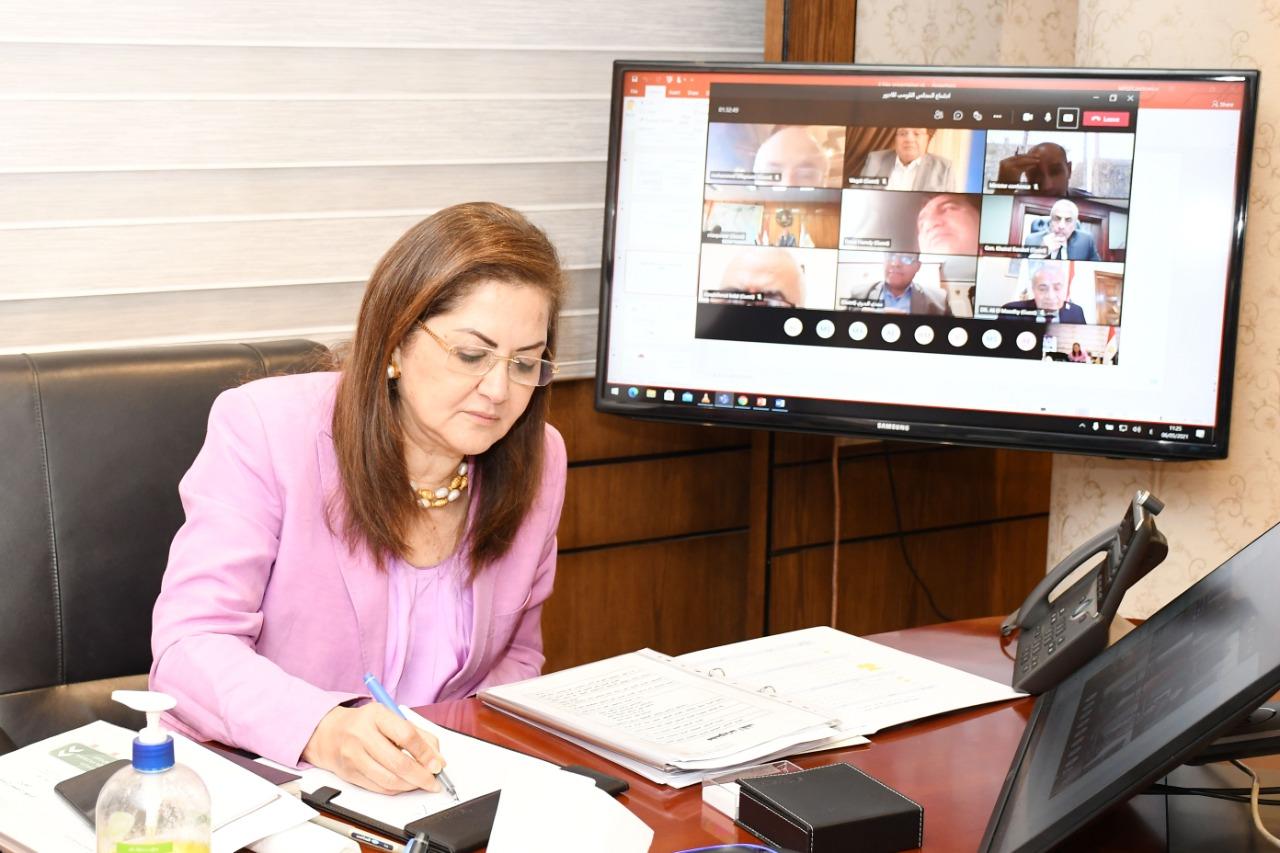 وزيرة التخطيط والتنمية الاقتصادية ترأس اجتماع القومي للأجور