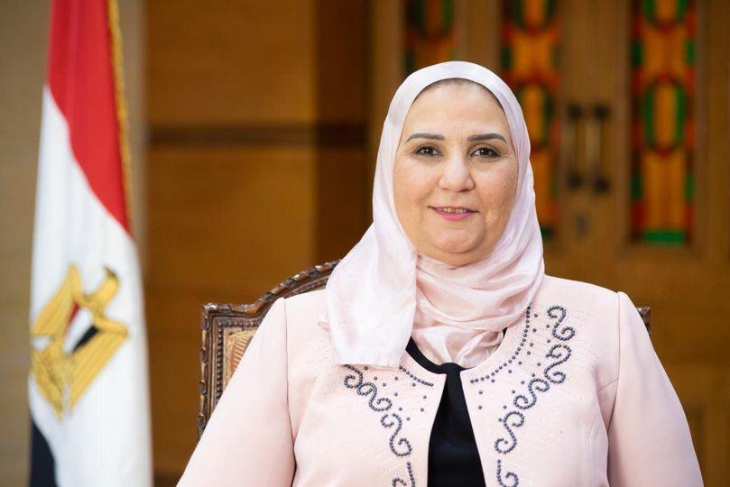 """وزيرة التضامن الاجتماعى توجه بصرف مساعدات كرامة """" الأحد"""" وتكافل """" الاثنين"""""""