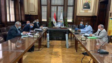 Photo of وزير الزراعة يبحث أوضاع الشركة القابضة لاستصلاح الأراضي والشركات التابعة