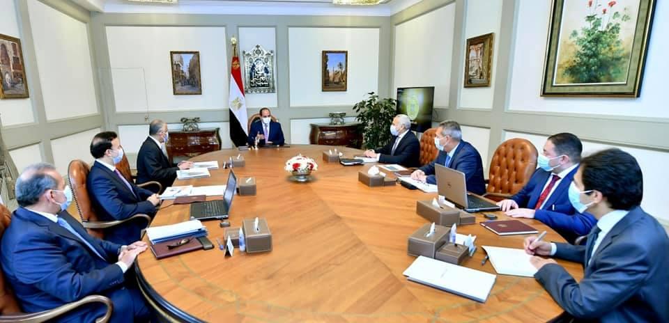 الرئيس يعرب عن تقديره لما قدمه القطاع المصرفي من دعم لمسيرة التنمية والمشروعات القومية في مصر خلال الفترة الاخيرة