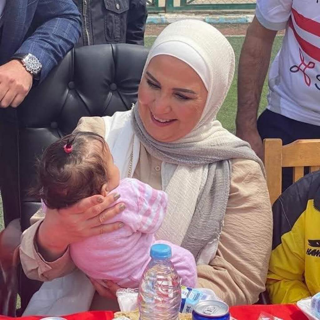 وزيرة التضامن تقدم هدايا وعيديات لـ ١١ ألف ابن من أبناء مصر