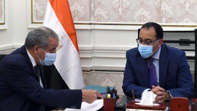 Photo of رئيس الوزراء يتابع مع وزير التموين موقف توريد القمح وتوافر السلع الأساسية