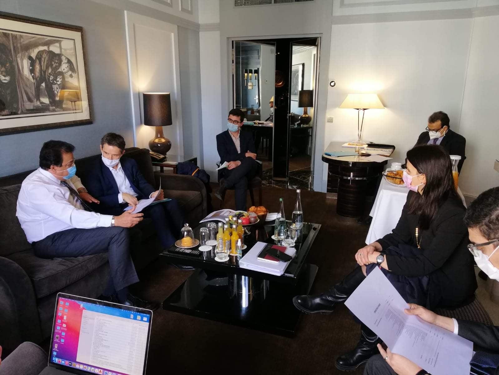 """وزير التعليم العالى يناقش خطوات تنفيذ """"بيت مصر"""" بالمدينة الدولية الجامعية فى باريس"""