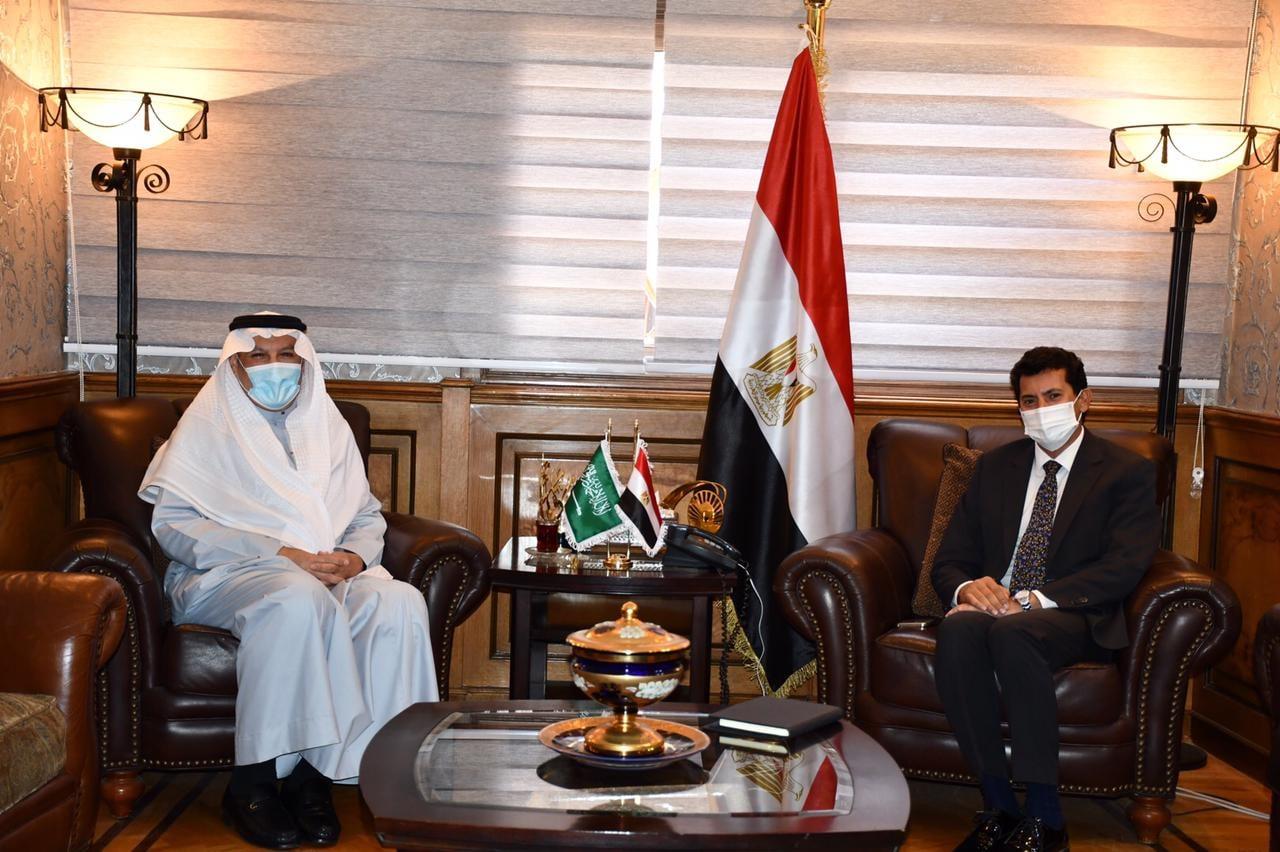 وزير الشباب والرياضة يستقبل السفير السعودي بالقاهرة