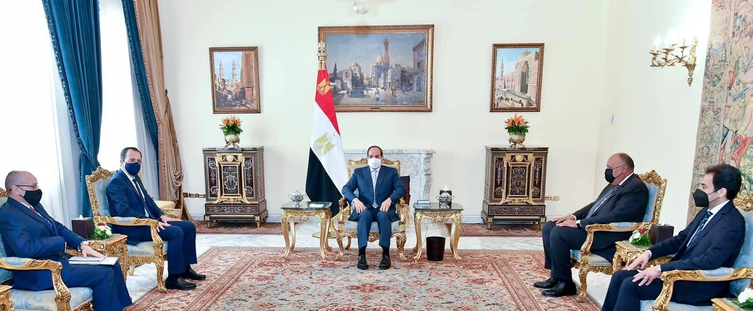 الرئيس يؤكد على العلاقات الاستراتيجية الراسخة بين مصر وقبرص