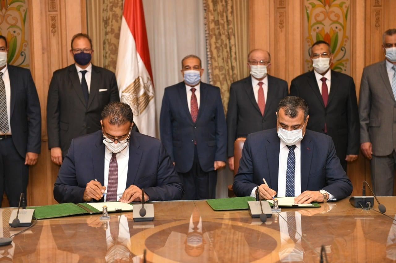 """"""" وزير الدولة للإنتاج الحربي"""" يبحث التعاون  مع شركة """" D M G MORI  """"  لإنشاء أكبر وأحدث مسبك للصناعات الهندسية"""