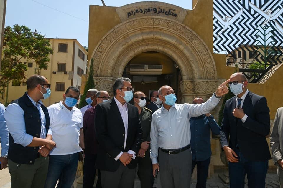 وزير السياحة والآثار يتفقد مستجدات أعمال مشروع تطوير شجرة مريم والمنطقة المحيطة بها بحي المطرية