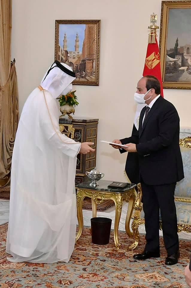 الرئيس عبد الفتاح السيسي يتلقي رسالة خطية من امير قطر نقلها وزير الخارجية القطري