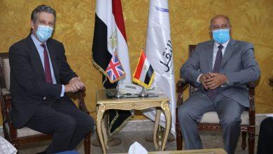Photo of وزير النقل يجتمع مع السفير البريطاني في مصر لمناقشة التعاون في المشروعات الحالية والمستقبلية في مجالات السكك الحديدية والجرالكهربائي ومترو الانفاق