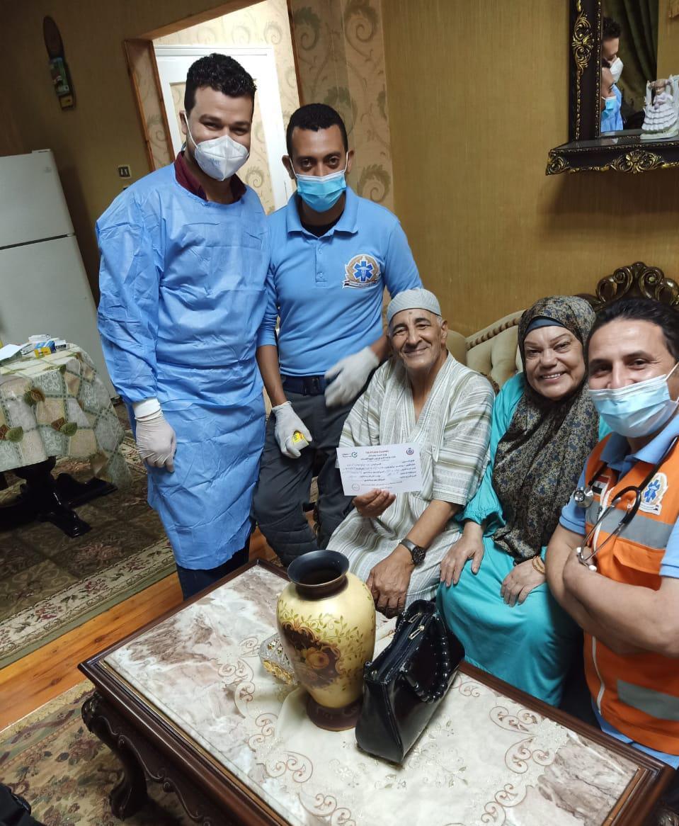 الرعاية الصحية تعلن بدء تطعيم منتفعي التأمين الصحي الشامل بلقاح كورونا ل10 فئات بالمنازل