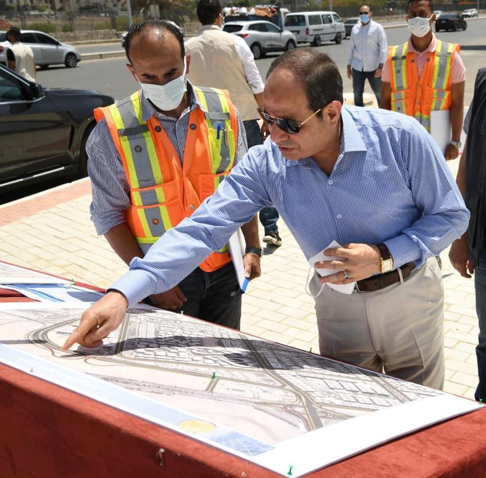 تفقد السيد الرئيس عبد الفتاح السيسي اليوم الجمعة اعمال تطوير عدد من المحاور والطرق الجديدة بمنطقة شرق القاهرة
