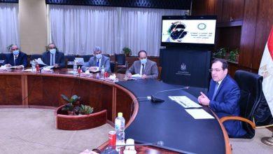 Photo of وزير البترول يتابع تنفيذ خطة التوسع بإستخدام الغاز الطبيعى لتموين السيارات