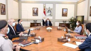 Photo of الرئيس يطلع علي خطة الدولة الاستراتيجية في مجال محطات تحلية مياه البحر