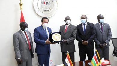 Photo of وزير التعليم العالي يبحث سبل تعزيز التعاون الثنائي مع جنوب السودان