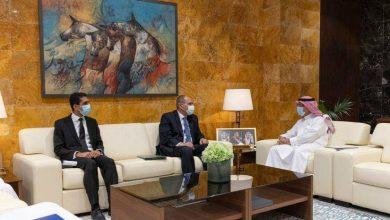 Photo of السفير المصري في الرياض يلتقي رئيس الهيئة العامة للطيران المدني السعودية