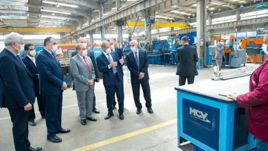 """Photo of """"وزير الدولة للإنتاج الحربي"""" يتفقد أحد مصانع القطاع الخاص لبحث سبل التعاون"""